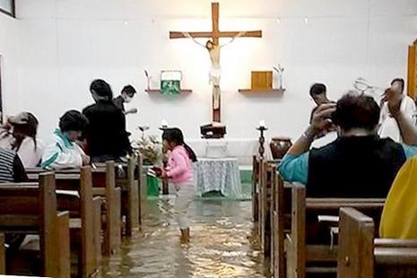 【News】台東遭颱風連續侵襲災情慘重,原住民主教積極復修教堂