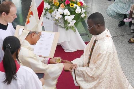 【News-台灣】聖言會首位多哥神父,受聖福若瑟感召服務華人